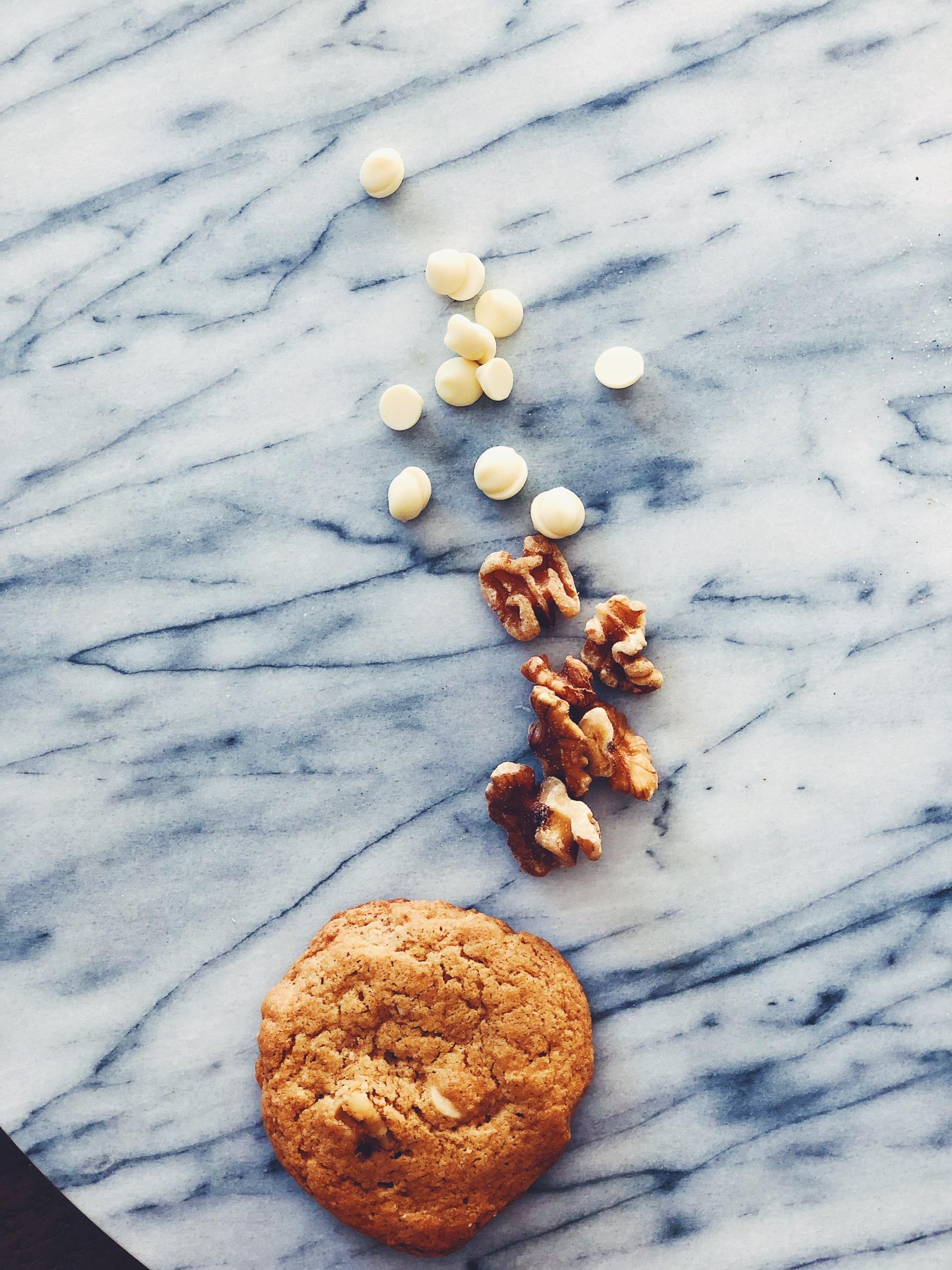 white-chocolate-chip-walnut-cookies